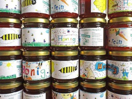Die 5 Gewinner vom Honigetiketten-Wettbewerb