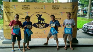 Bernard, me, Andaru, and Mando at race check in.