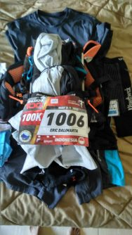 My race flat, I managed all my gear mandatory into my Orange Mud vest, so minimalist but could carry plenty. Like a magic pouch from Doremon