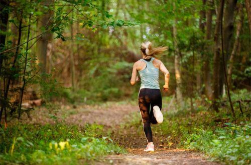 Runmylean läuft das erste Mal 5 KM unter 30 Minuten. In ihrem Trainingsplan zeigt sie dir, wie du 5 Kilomter in 30 Minuten schaffst. Lies dir jetzt ihren Laufplan durch.