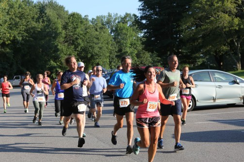 006 - Guess Your Time 2.5 Miler 2017 Photo by Jack Brennan - (IMGL0542)