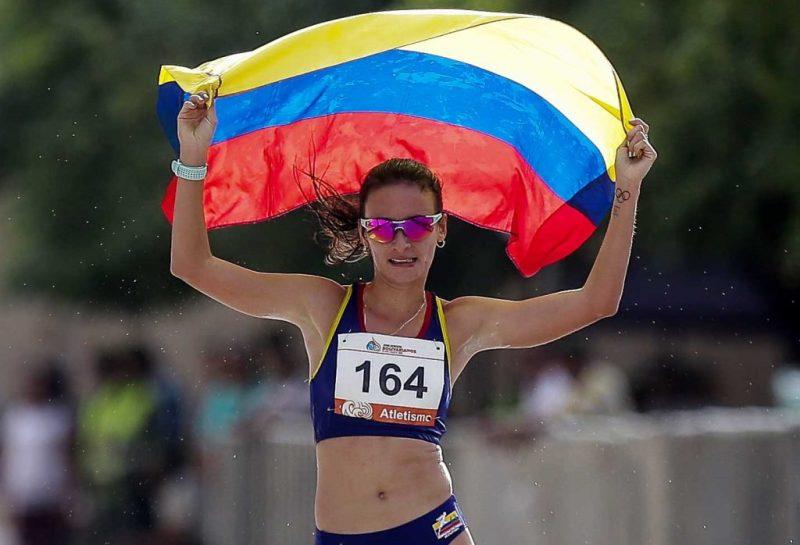 Lorena-Arenas-bandera-bolivarianos