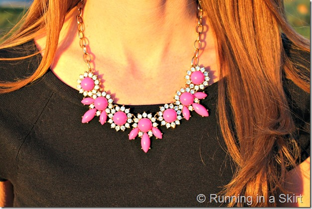 colored-jeans-necklace