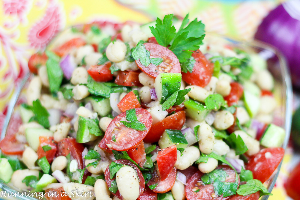 White Bean Salad recipe - Easy, clean eating and vegetarian / Running in a Skirt
