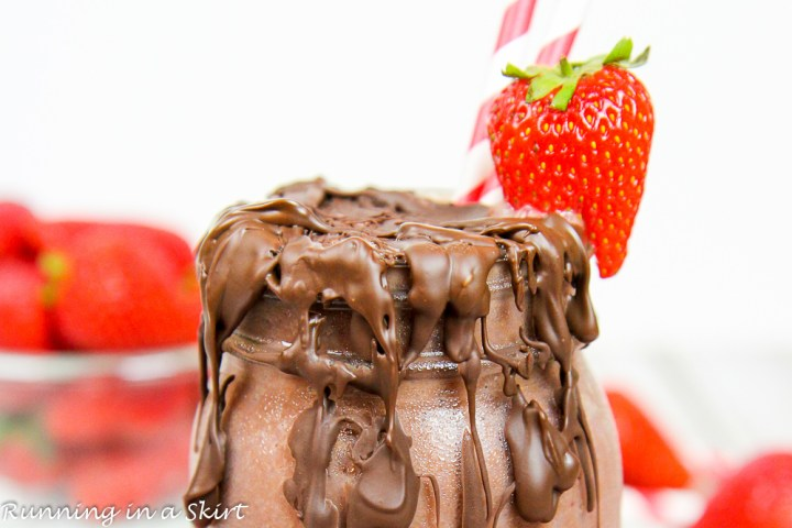 Chocolate Covered Strawberry Smoothie recipe / Running in a Skirt