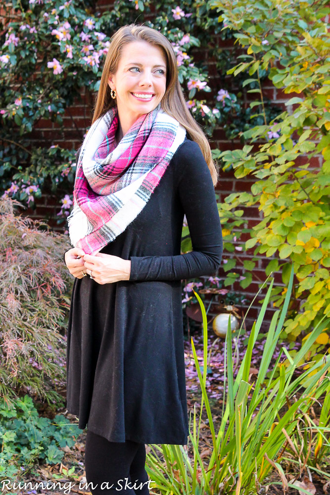 Ways to Tie a Blanket Scarf / Running in a Skirt