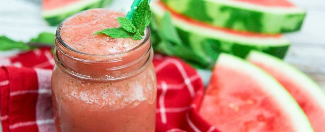 Healthy Watermelon Mint Smoothie Recipe / Running in a Skirt