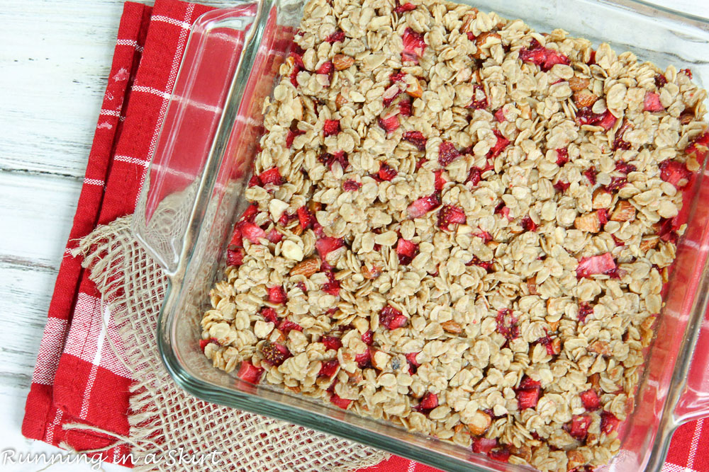 6 Ingredient Oatmeal Fresh Strawberry Squares recipe