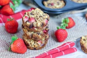Strawberry Banana Baked Oatmeal Cups recipe