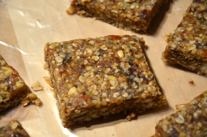 No-Bake Oat and Almond Bars (Vegan)