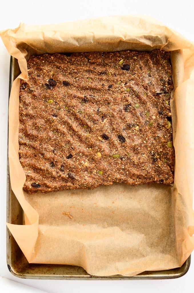 Vegan No-Bake Oatmeal Raisin Energy Bars - Gluten-Free, Healthy, Tastes like Oatmeal Raisin Cookie!