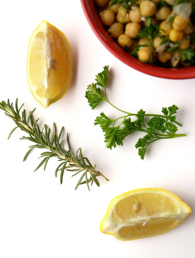 Rosemary Lemon Garlic Chickpea Salad - So fresh and tasty! Vegan, Gluten-Free, Ready in 10 Minutes