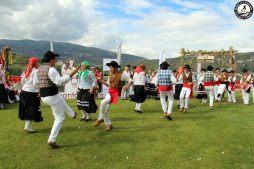 Tradicional dancing and attire
