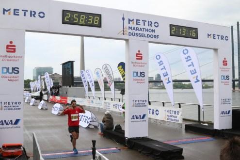 Finishing the Düsseldorf Marathon