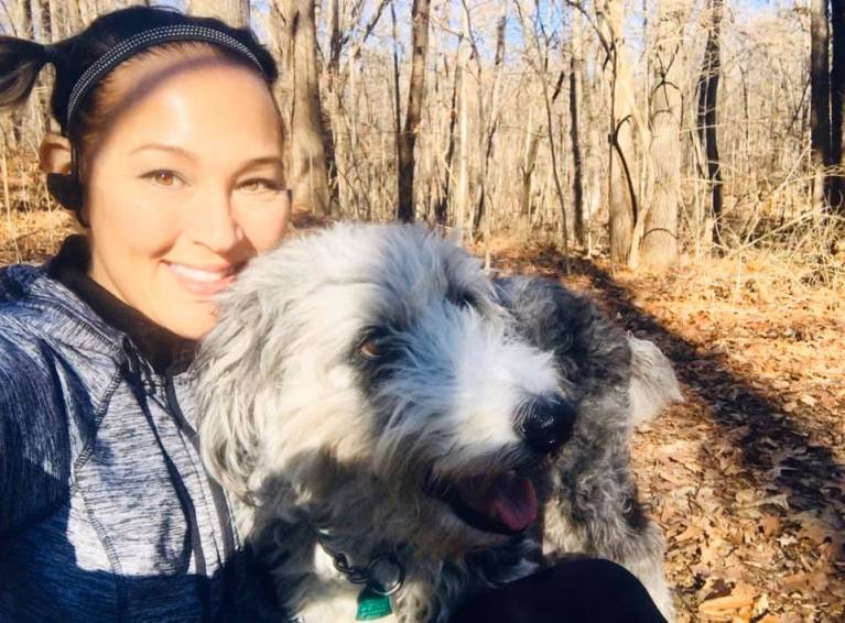 Hi, I'm Coach Amie (the one on the left...), a pro distance running and weight loss coach dedicated to making YOU run better and be healthier! ... and if you like cats, see the video mishap, below!