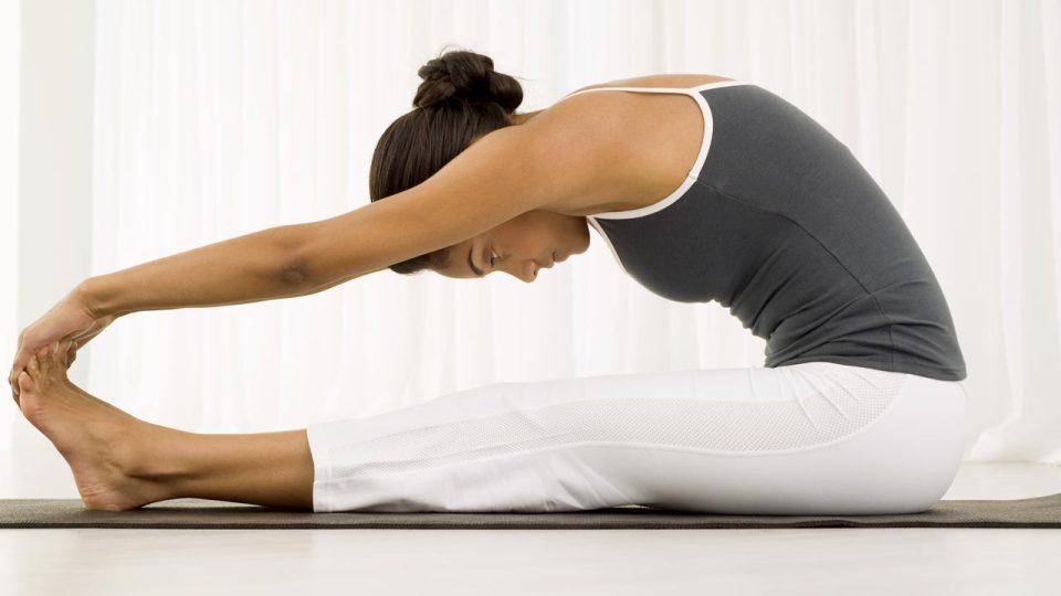 5 Ways Bikram Yoga Helps You Run Better