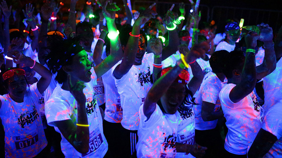 ILLUMI RUN 2013 Delights 10,000 Runners With Fun Vibes