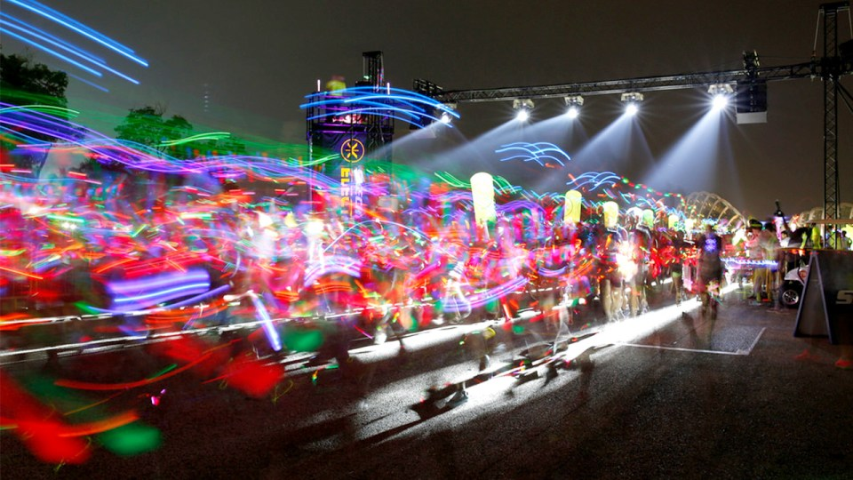 Skechers Electric Run 2014: Grooving Along To The Finish Line