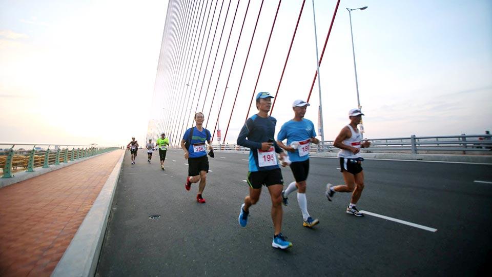 Da Nang International Marathon 2014: Running in the Exotic Seaside City
