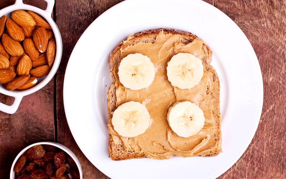 40 Powerful and Healthy Pre- and Post-Workout Snacks