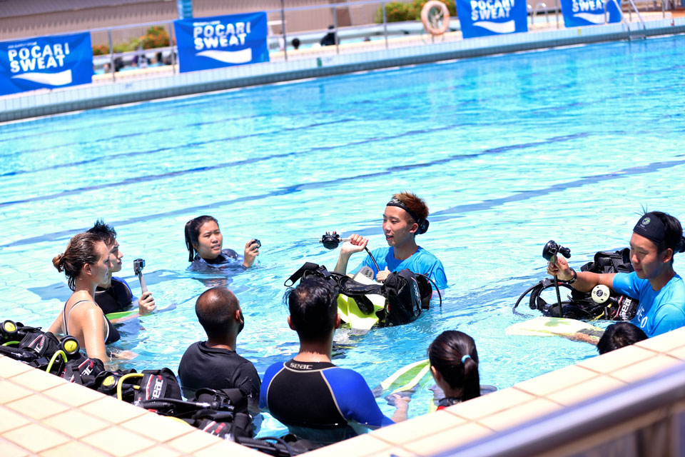 POCARI SWEAT Kicks Off Upcoming Run with Lunar Dive Clinic