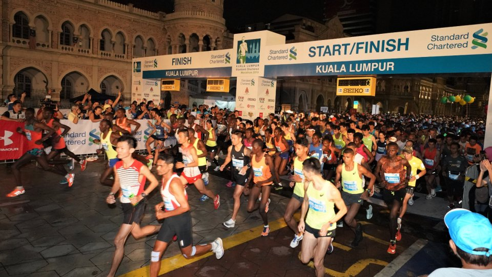 Runners Got Hit By Car During KL Standard Chartered Marathon 2019