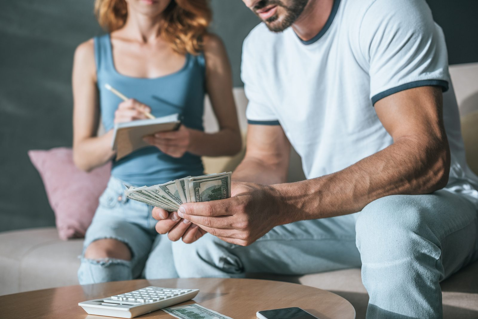 Money And Relationships: What Couples Should Know