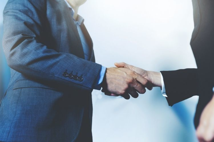 Types of Business Relationships Your Company Needs