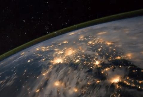 فيديو مذهل : شاهد كوكب الأرض من الفضاء الخارجي كما لو كنت تحلق فوقه مباشرة 2