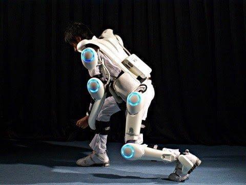 هال بدلة آلية لحمل الأثقال و مساعدة المقعدين علي المشي Hal Robot Suit