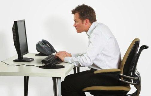 هذا هو ما يفعله الجلوس لفترات طويلة بصحتك ! – بقلم محمد حجاج