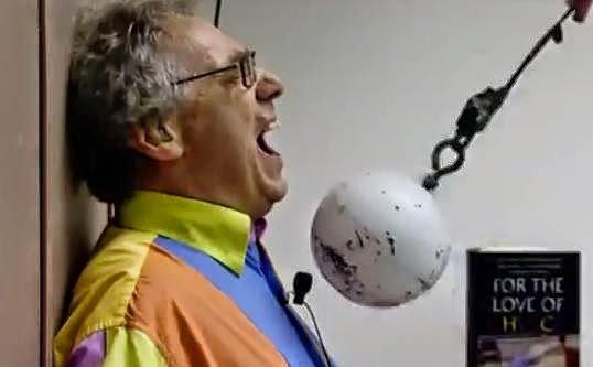بروفيسور والتر لوين