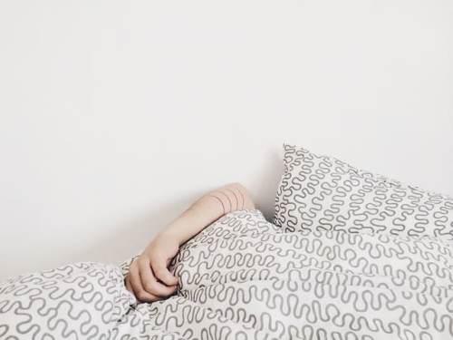 تغطية الرأس خلال النوم قد تسبب الاختناق
