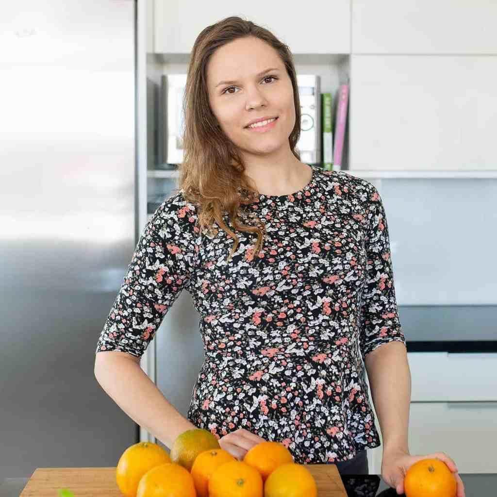 Ravitsemustieteilijä ja vegaaniruokakouluttaja Charlotta Hyttinen on erikoistunus kasvis- ja vegaaniruokavalioon.