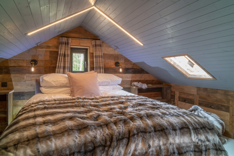 Rupert Gibson Photography Architectural Photography Copyright 2019Knottinghill Barn bedroom