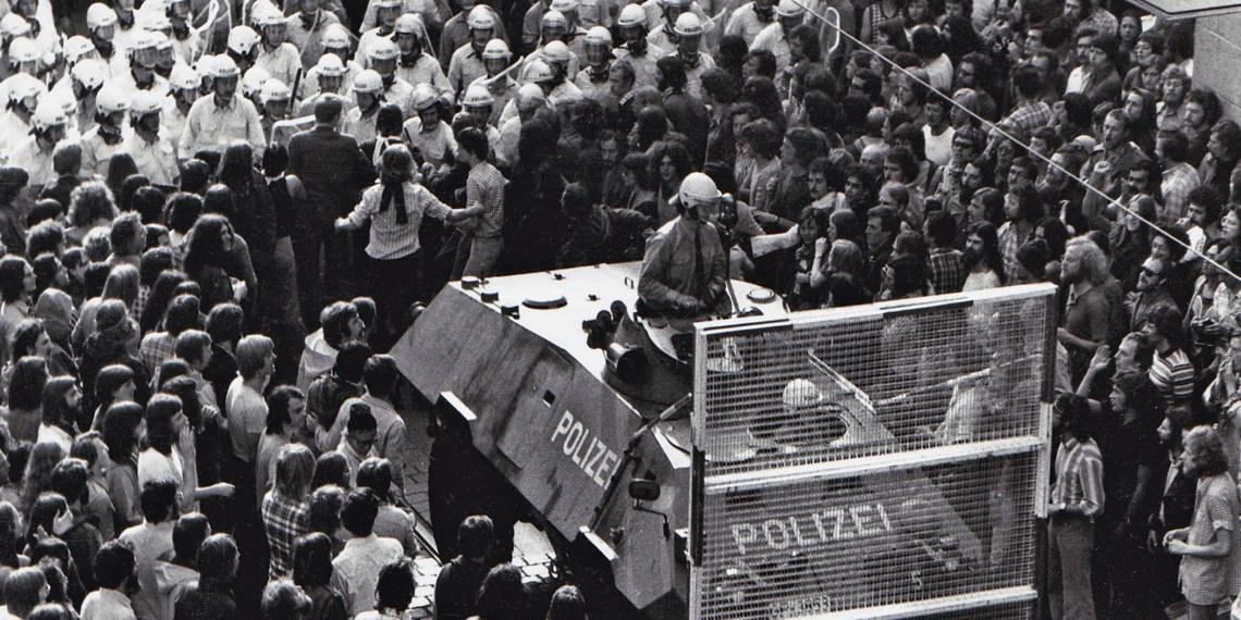 Auch in den 1970ern bleibt es in Heidelberg noch unruhig: Demo im Jahr 1975. Bild: Cornelius Fraenkel