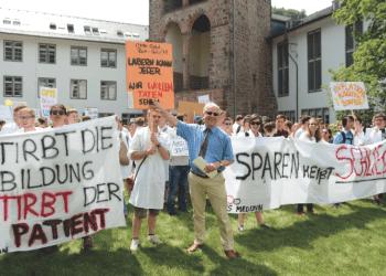 Rektor Eitel fordert gemeinsam mit den Studenten mehr Geld. Foto: Universität Heidelberg