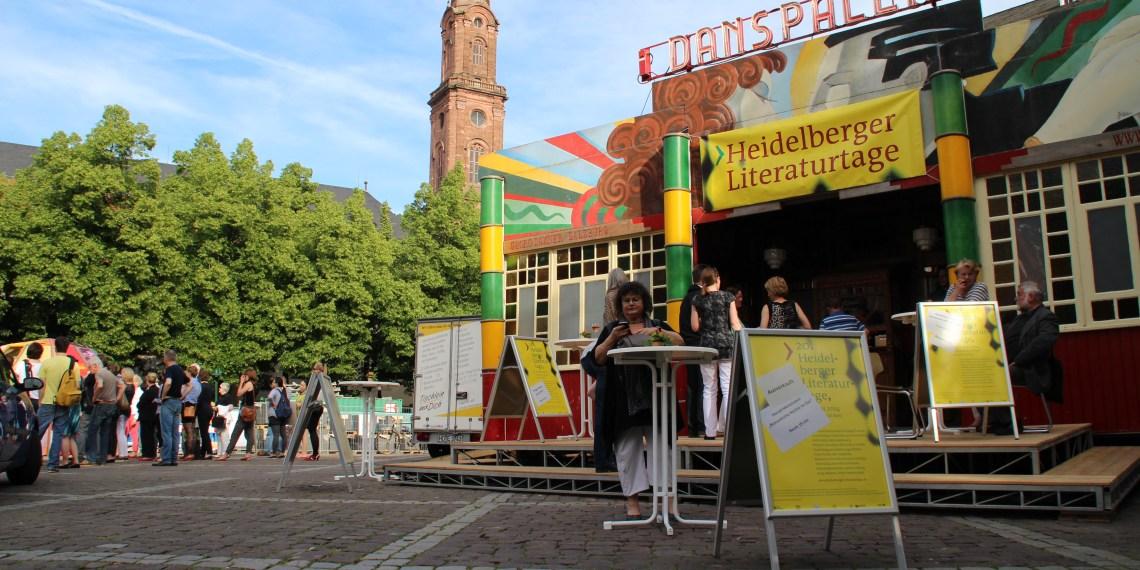Wie jedes Jahr bot das Spiegelzelt auf dem Uniplatz die perfekte Kulisse für die Heidelberger Literaturtage.