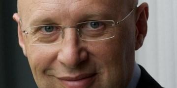 Nobelpreisträger Stefan Hell. Foto: Bernd Schüler / Wikimedia (https://de.wikipedia.org/wiki/Stefan_Hell#/media/File:Stefan_W_Hell.jpg), Lizenz: CC BY-SA 3.0 (http://creativecommons.org/licenses/by-sa/3.0/)