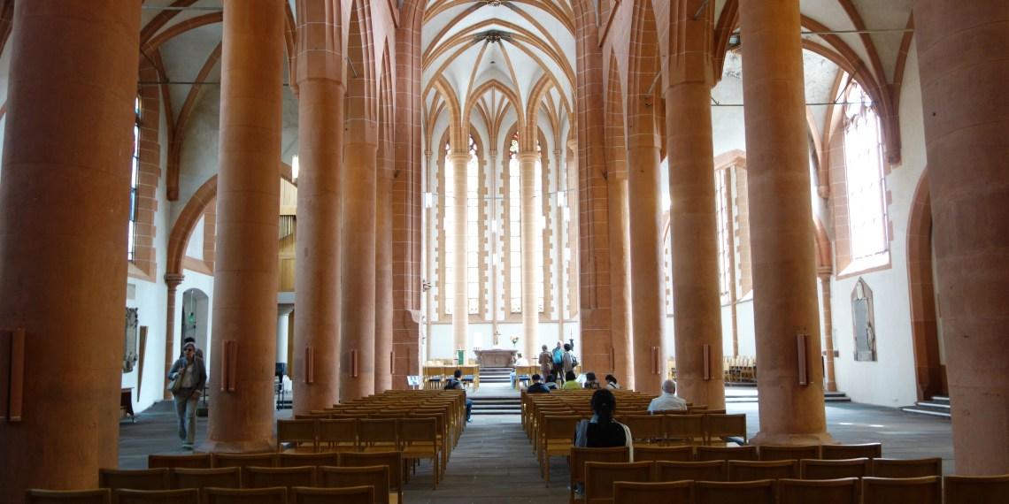 Unbemauert: Die Heidelberger Heiliggeistkirche. Bild: Simon Koenigsdorff