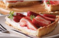 Strawberry and Cheese Refrigerator Pie