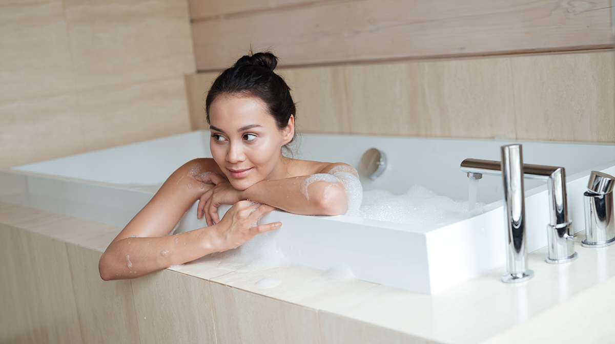 Having Trouble Sleeping? Try a Hot Bath Before Bed
