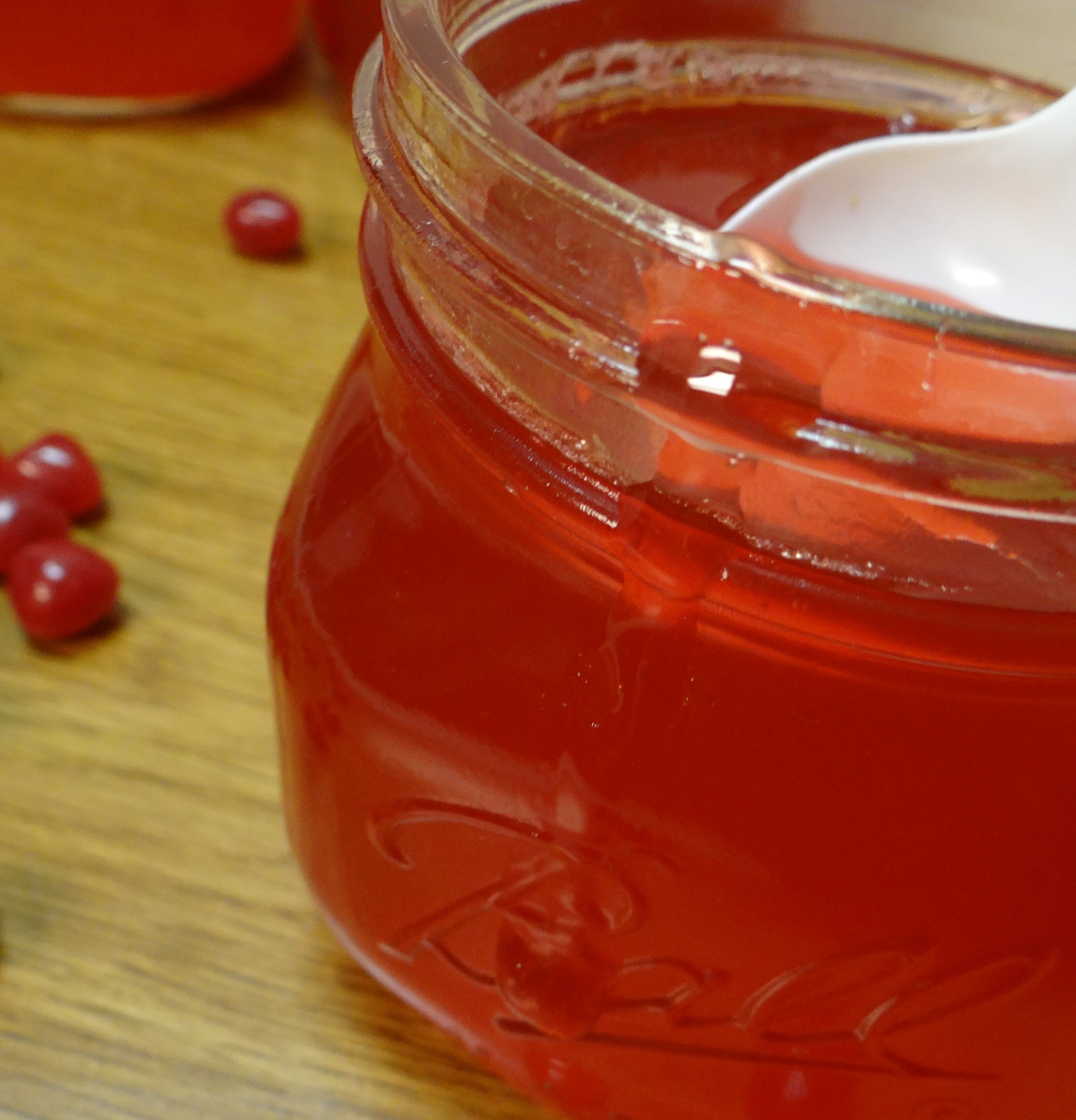 red hot apple jelly yield 3 pint jars or 6 half pint jars - Apple Jelly Recipes
