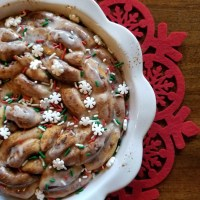Quick and Festive Cinnamon Roll Holiday Breakfast Hack