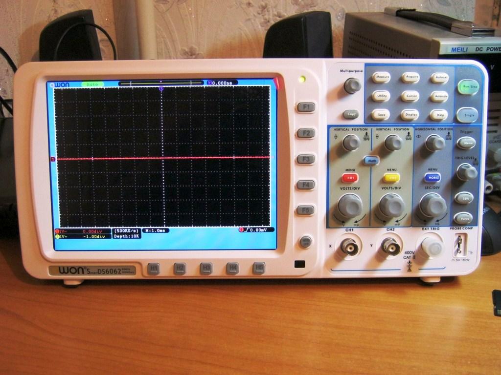 Osciloscop digital Owon.