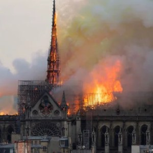 Don't Say Arson! Media Focuses on Right-Wing in Notre Dame Inferno