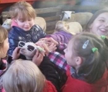 Blije Wit Russische kinderen in Dronrijp!