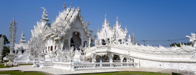 The White Temple Wat Rong Khun In Chiang Rai 1