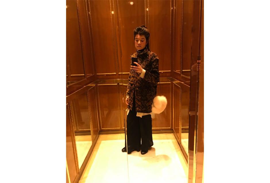 ANNA_GRAY_ElevatorSelfie
