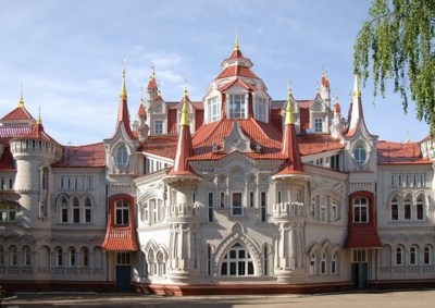skola-joskar-ola Sedam čarobnih dvoraca Rusije